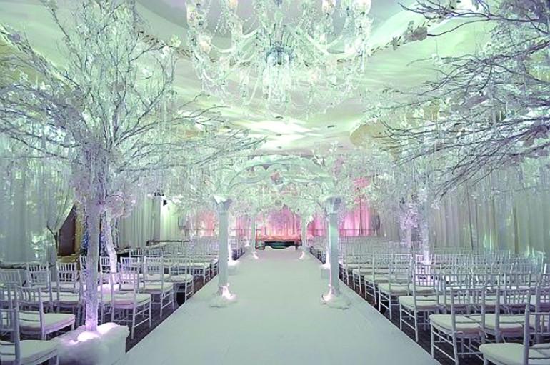 cb4bef9f42e9 Winter wedding