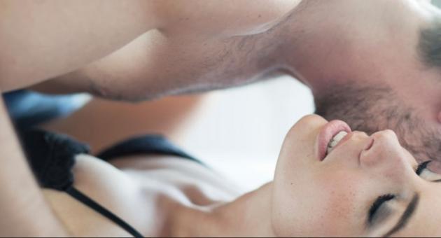 γυναίκες δίνουν στοματικό σεξ μεγάλα βυζιά και μεγάλα μουνιά