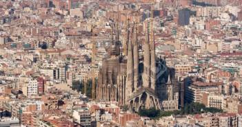 1138575_12189840-Aerial-view-of-Sagrada-Familia-basilica-Barcelona--Stock-Photo